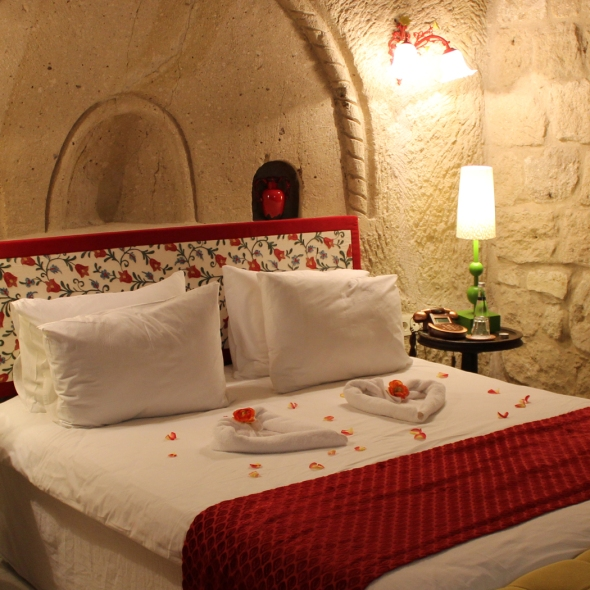 Hezen Cave Hotel Room